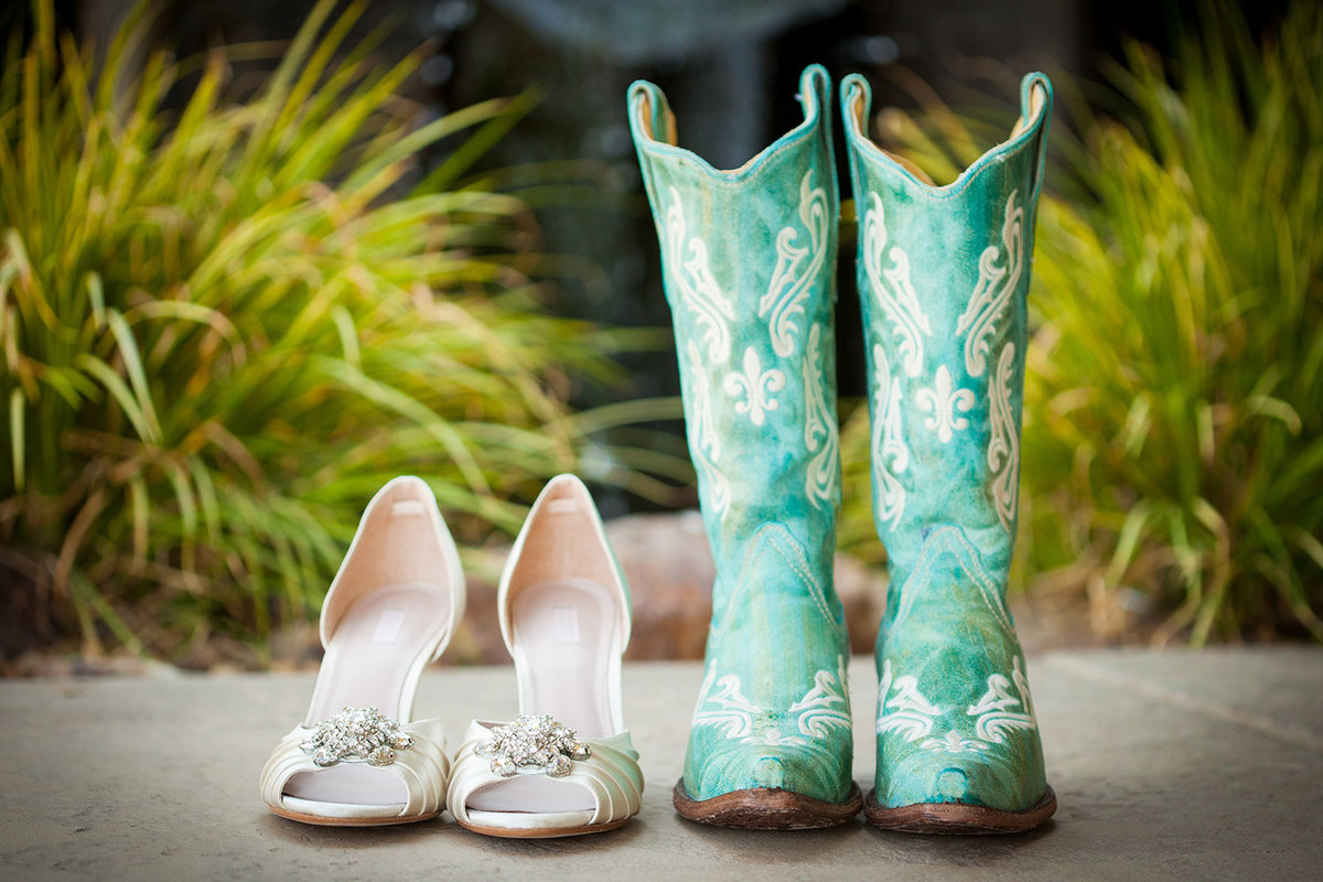 wedding photos cute bridal shoes and boots