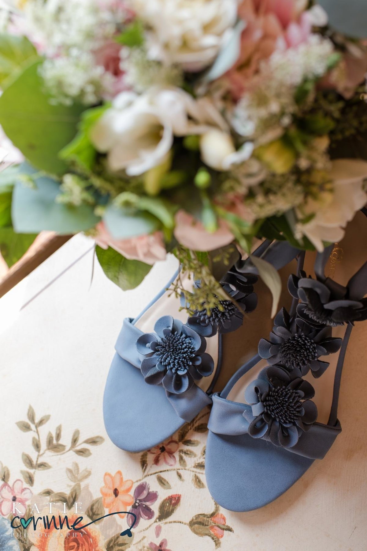 Wedding details bouquet and shoes