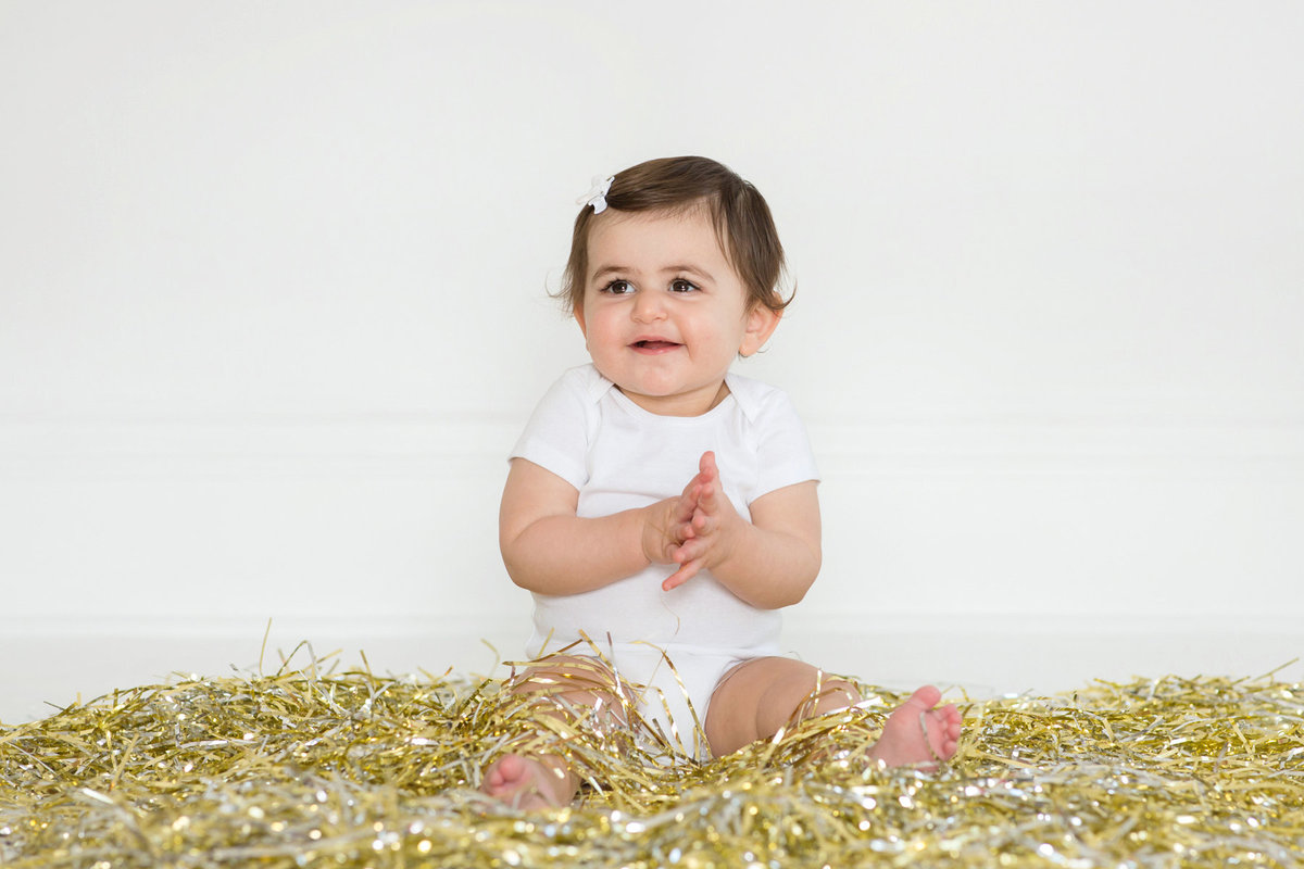 St-Louis-Studio-Child-Photographer-Cake-Smash-1-year-old-Sheth_41