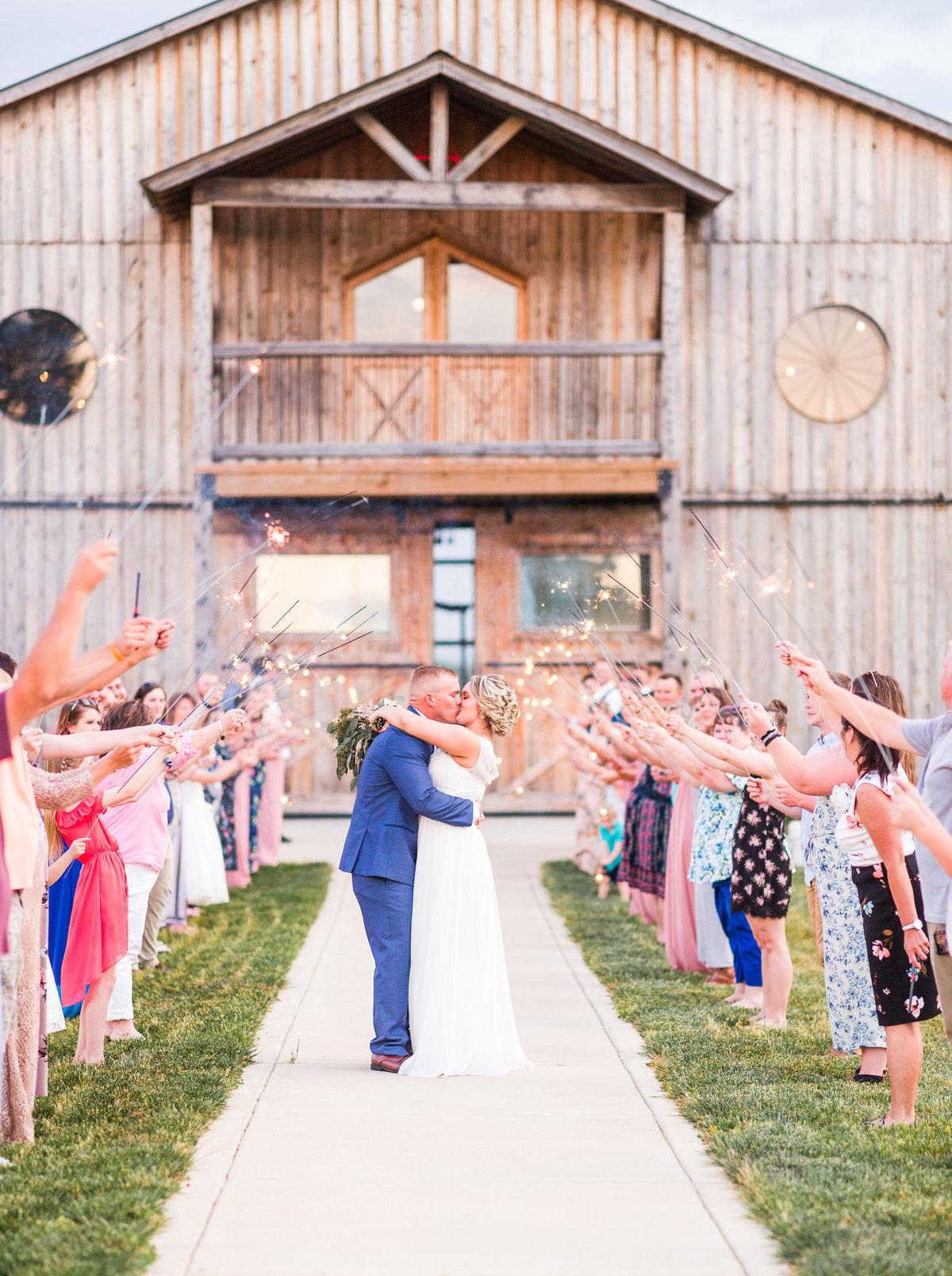 Rustic Barn Blush & Navy Wedding Elizabeth HIll Photography-18