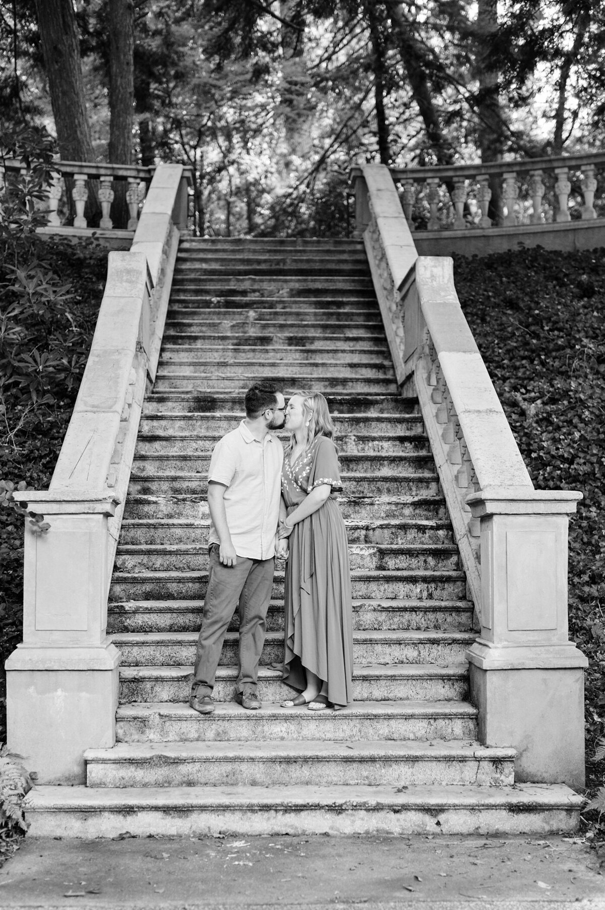 cator-woolford-gardens-engagement-wedding-photographer-laura-barnes-photo-shackelford-09