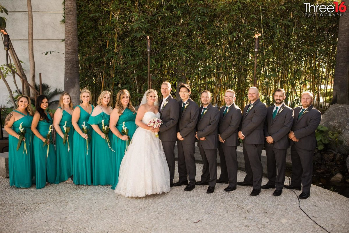 Bride and Groom pose with their Bridal Party