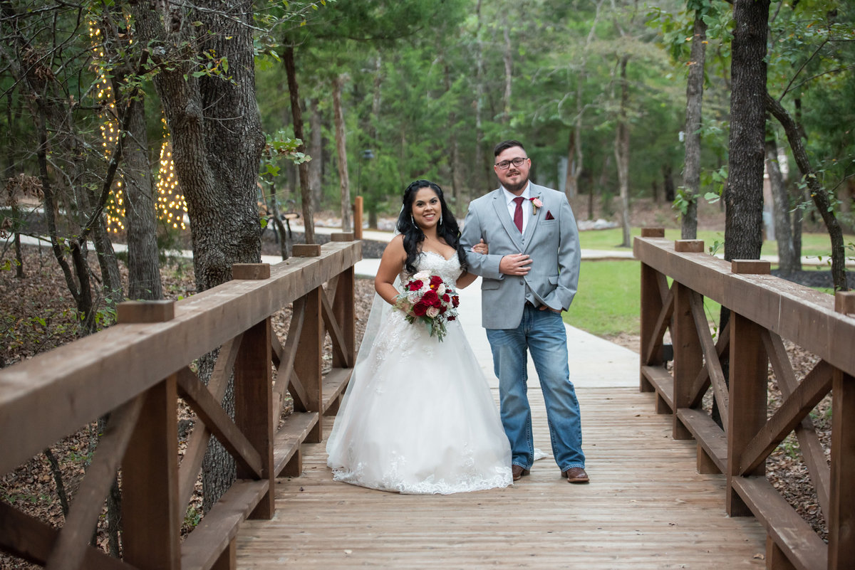 Whispering Oaks Ranch wedding photo