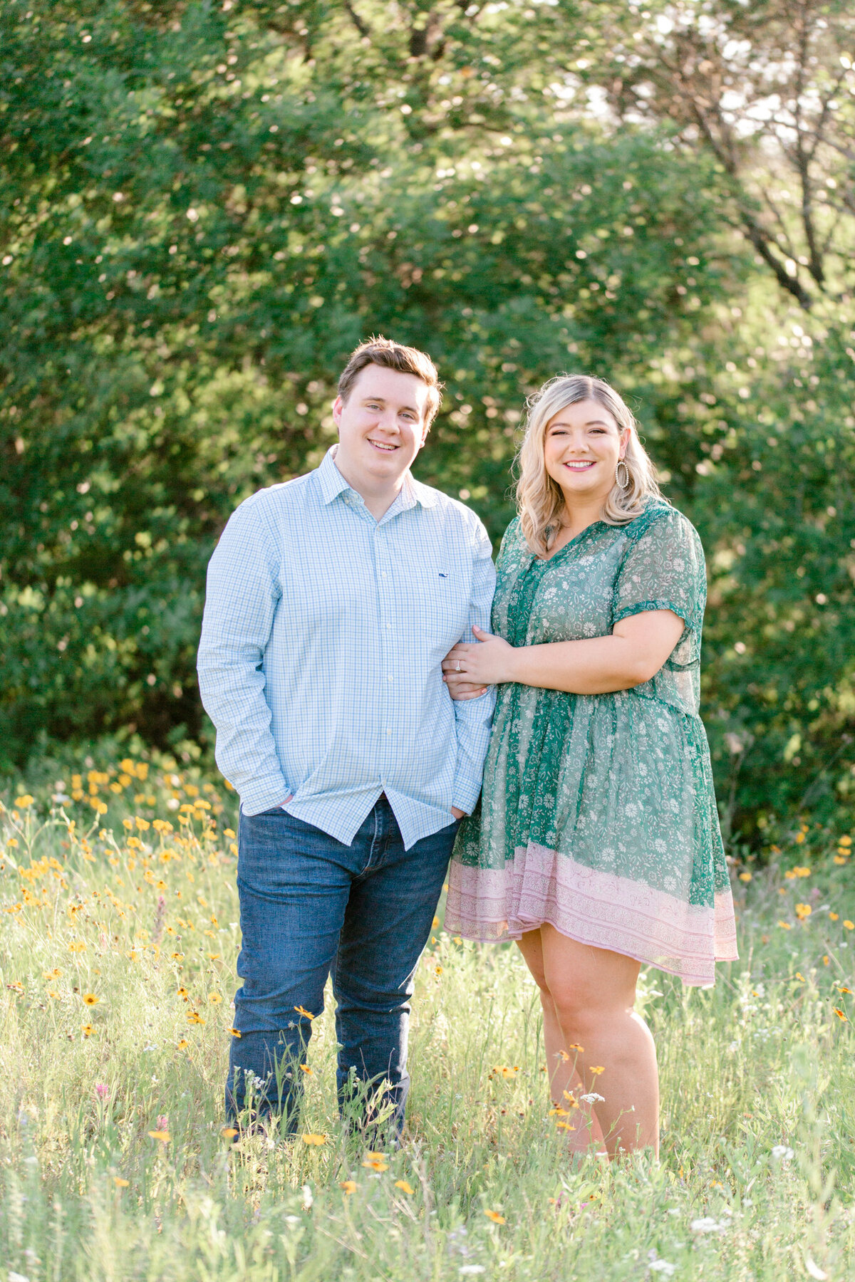 Maddie & Chris Engagement Session at Tandy Hills Natural Area | Sami Kathryn Photography | Dallas DFW Fort Worth Wedding and Portrait Photogapher-10