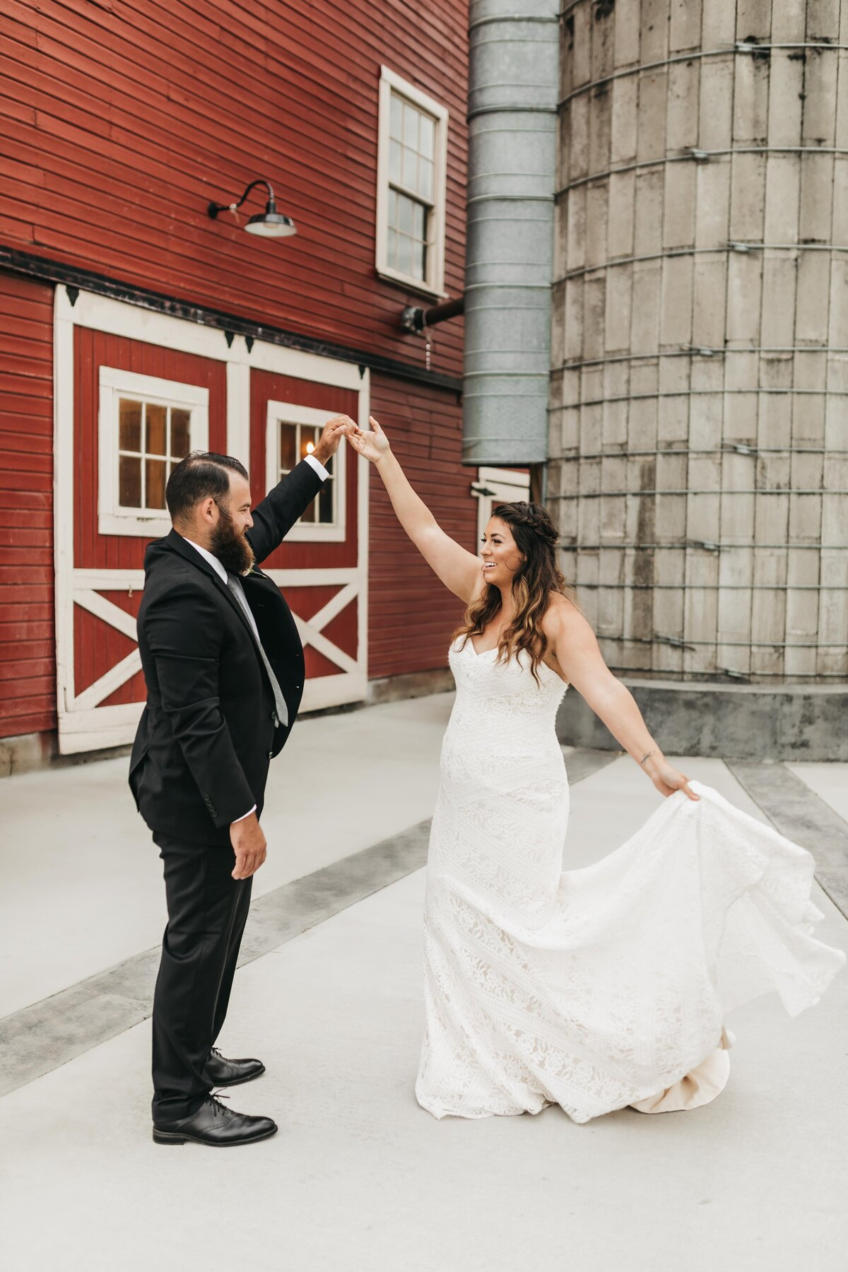 Elopement Photographer in Spokane Washington, Palouse Knot Barn - Clara Jay Photo-11