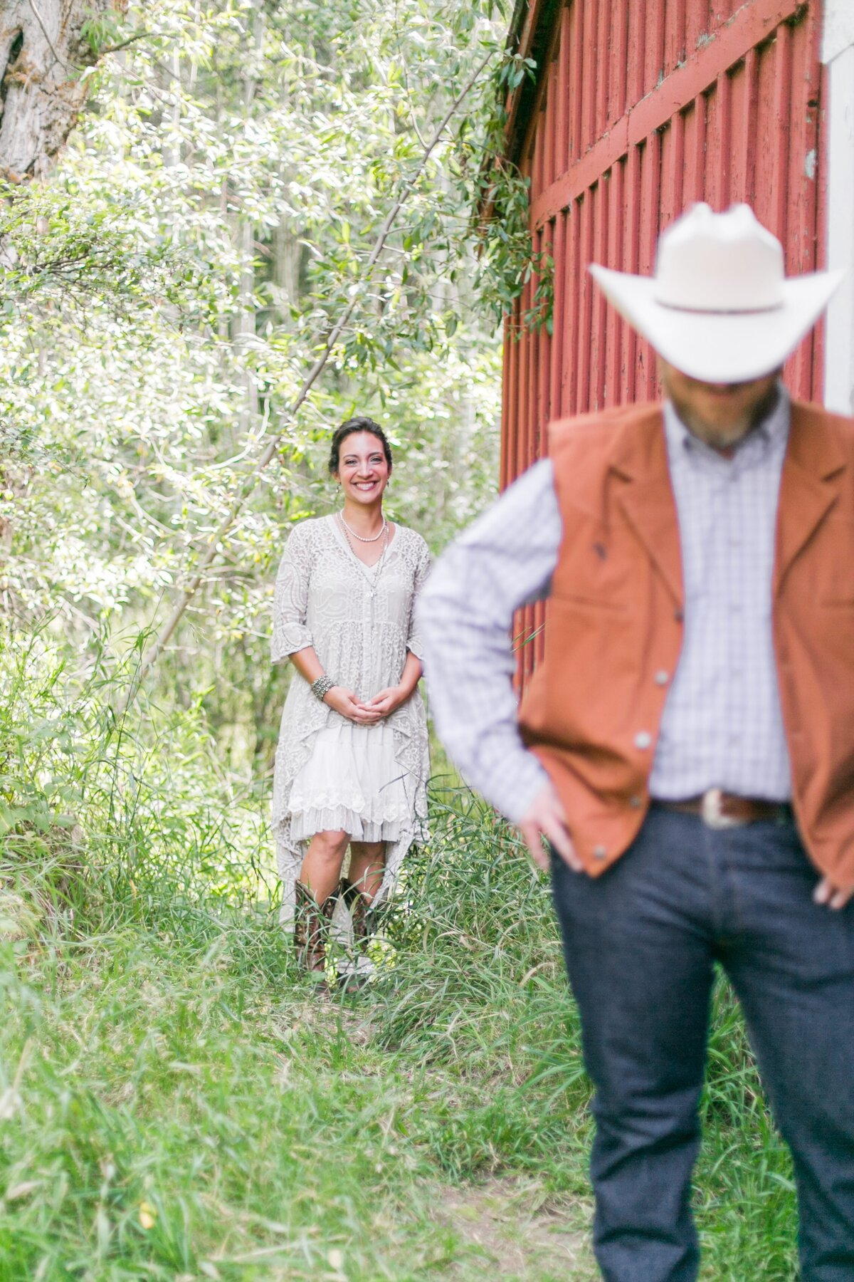 red-barn-golden-gate-canyon-colorado-rustic-wedding-mountains-farm-rocky-mountain-bride-0008