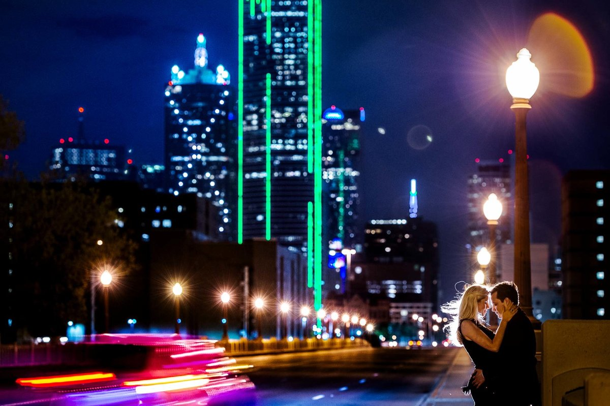 engagement photo at trinity overlook park in dallas texas by stephane lemaire photography