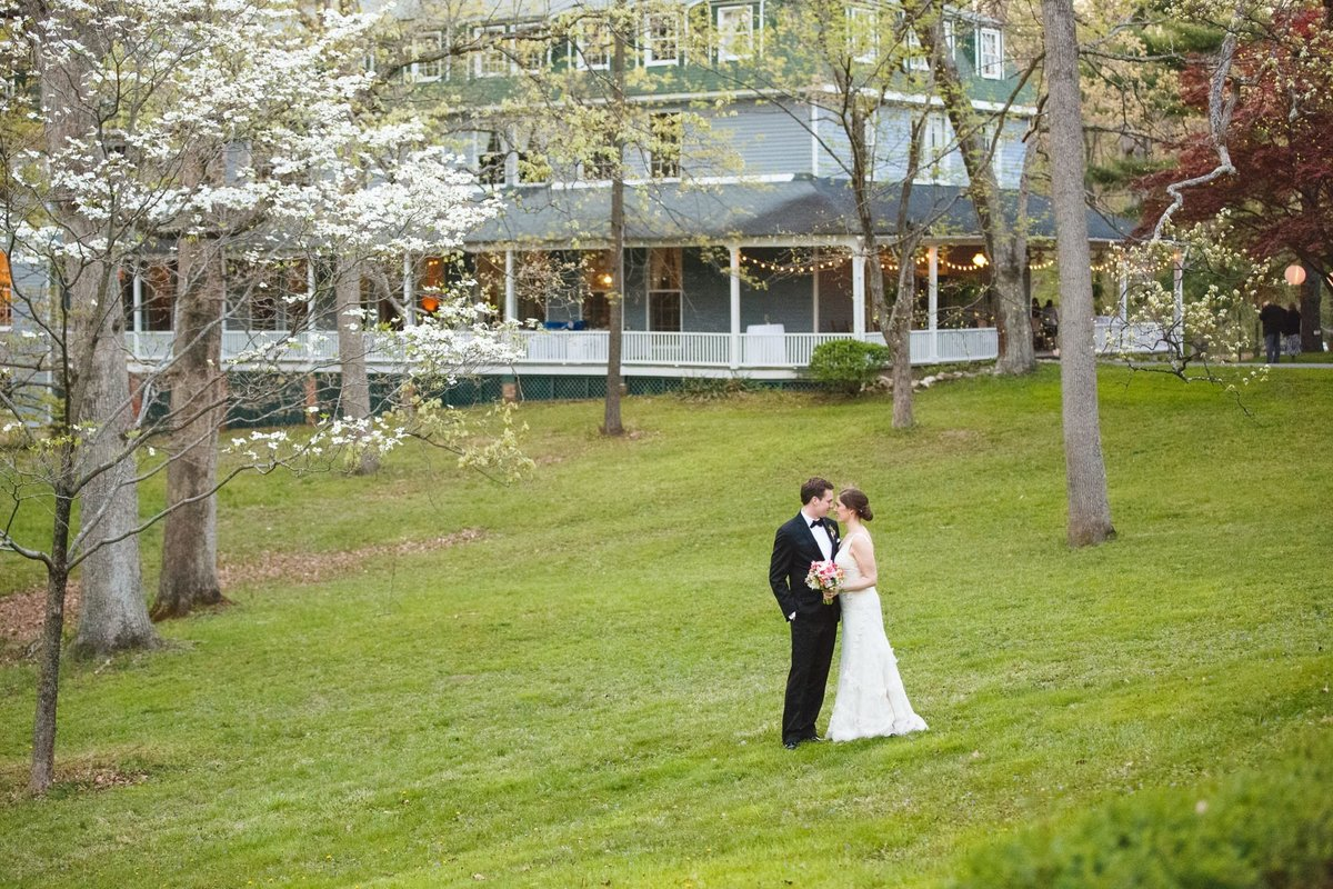 outdoor-maryland-wedding-photos_109
