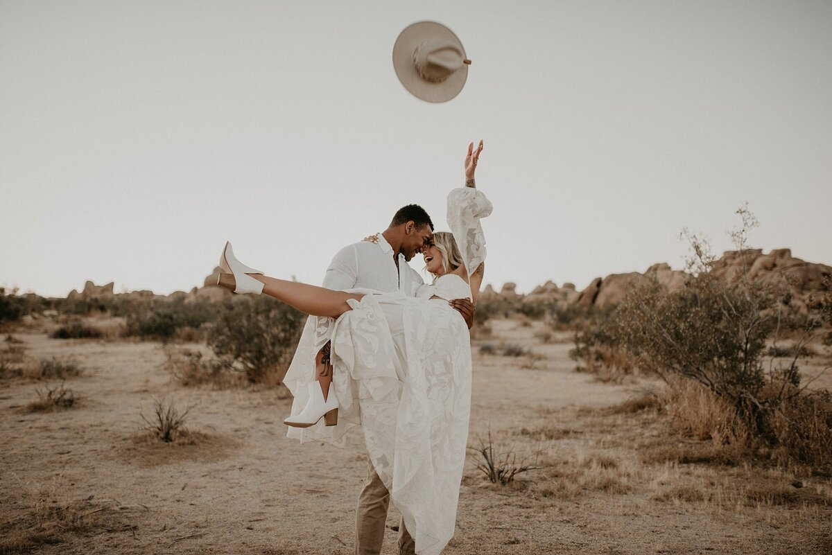 Joshua Tree, California boho styled elopement - California wedding photographer-_0015