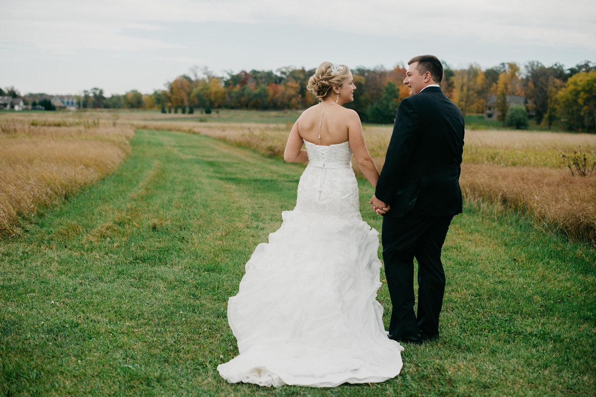 1 Minnesota Wedding Couple Portraits y Photographer