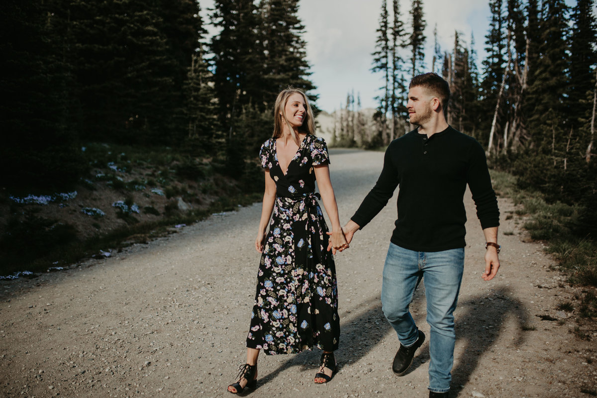 Marnie_Cornell_Photography_Engagement_Mount_Rainier_RK-22