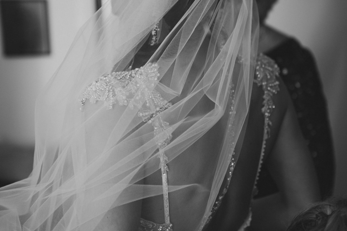 brides veil by jana scott photography