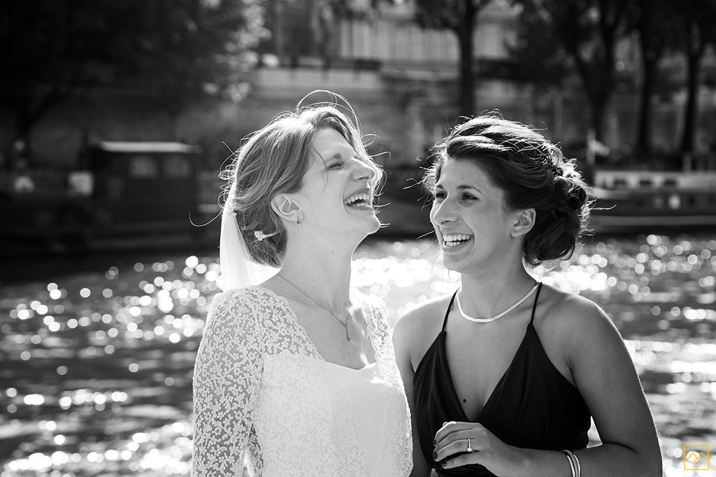 Amedezal-wedding-photographe-lyon-paris-reportage-mariage-theatre-renard-robe-laure-sagazan-photos-cocktail-fou-rire