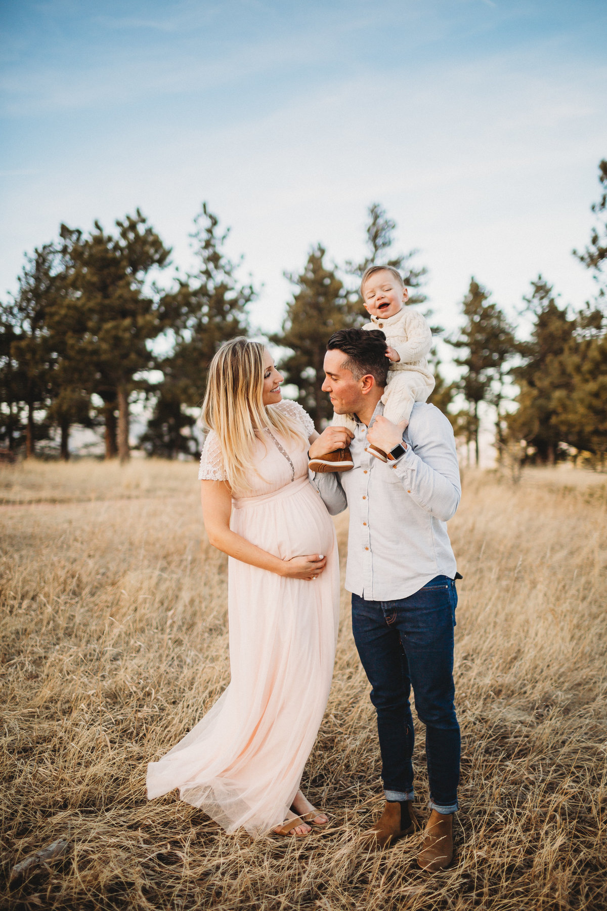 Boulder, Colorado maternity photos with toddler