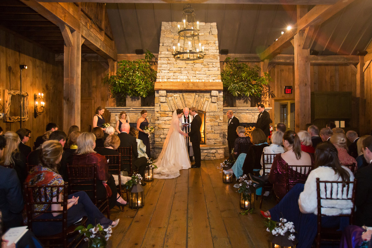 0049_Old-Edwards-Inn-Highlands-NC-Winter-Wedding