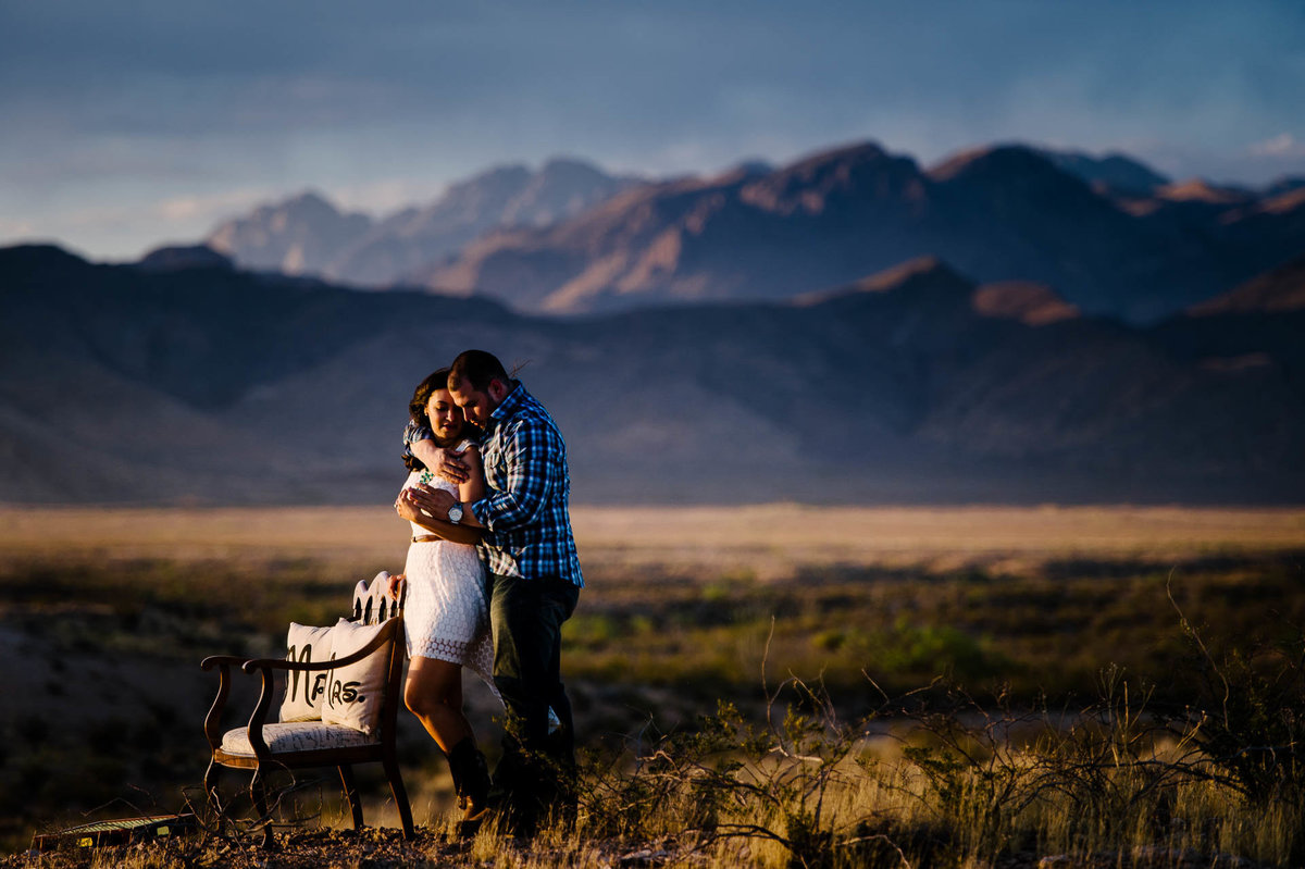 engagement photo in desert  in el paso texas by stephane lemaire photography