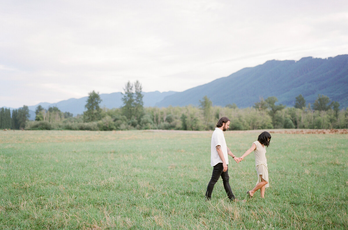 North Bend Engagement - Mountain View Engagement - Film Photography - Seattle Engagement Photographer - 2