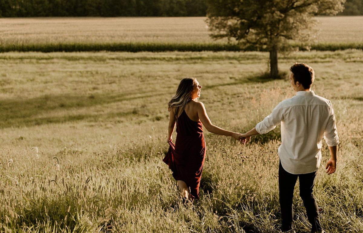megan-renee-photography-jays-tree-farm-engagement-session-emma-andrew-7