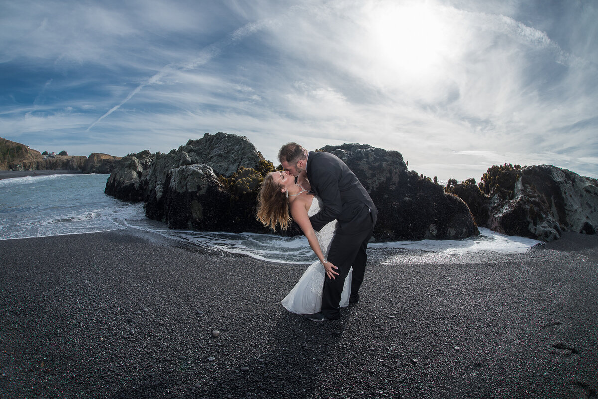 Shelter-Cove-Black-Sannds-Beach-photographer-adventure-elopement-intimate-destination-wedding-nor-cal-beach-elopement-8