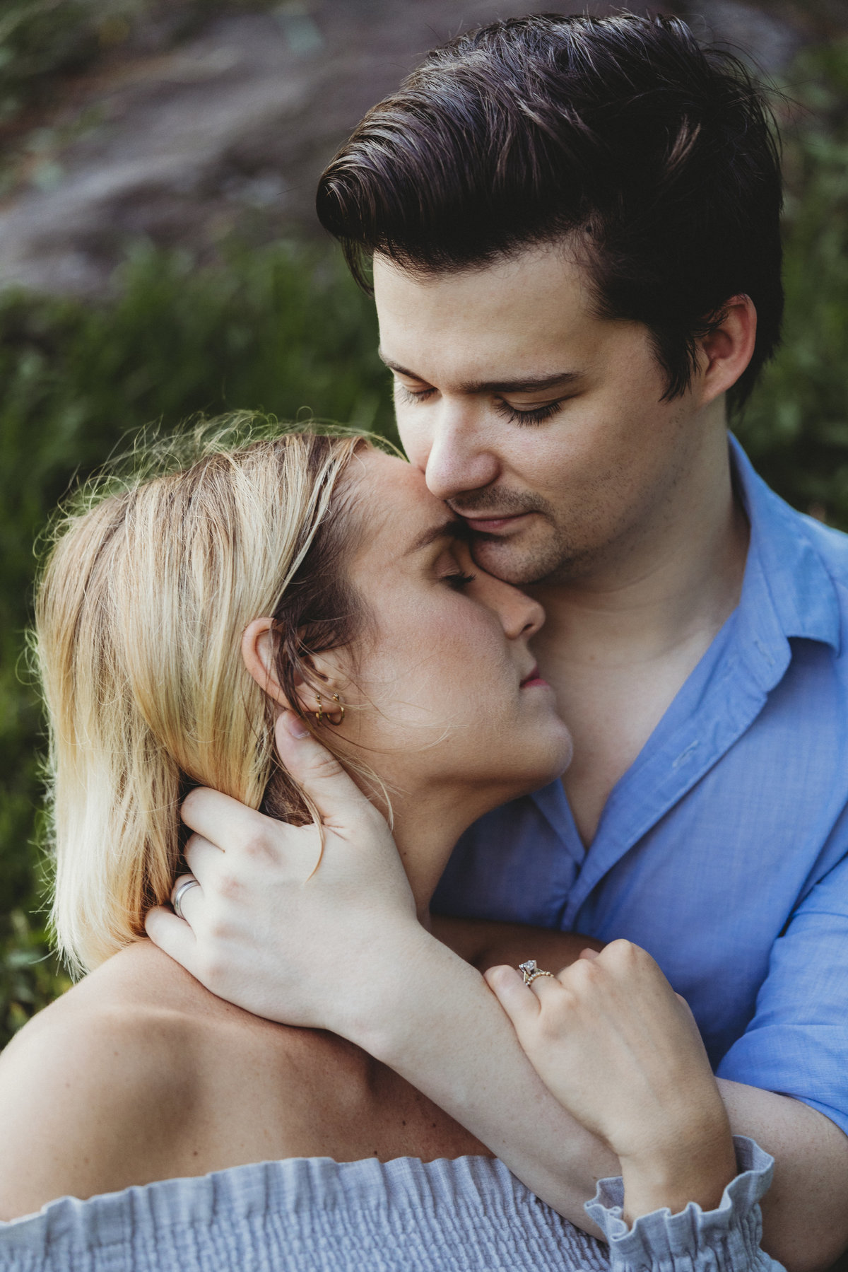 ENGEMENT SESSION INTIMATE LIFESTYLE COUPLES SESSION