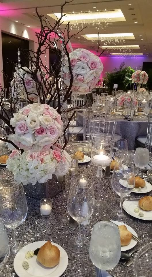 Eden Roc Miami beach jewish wedding pink and white roses