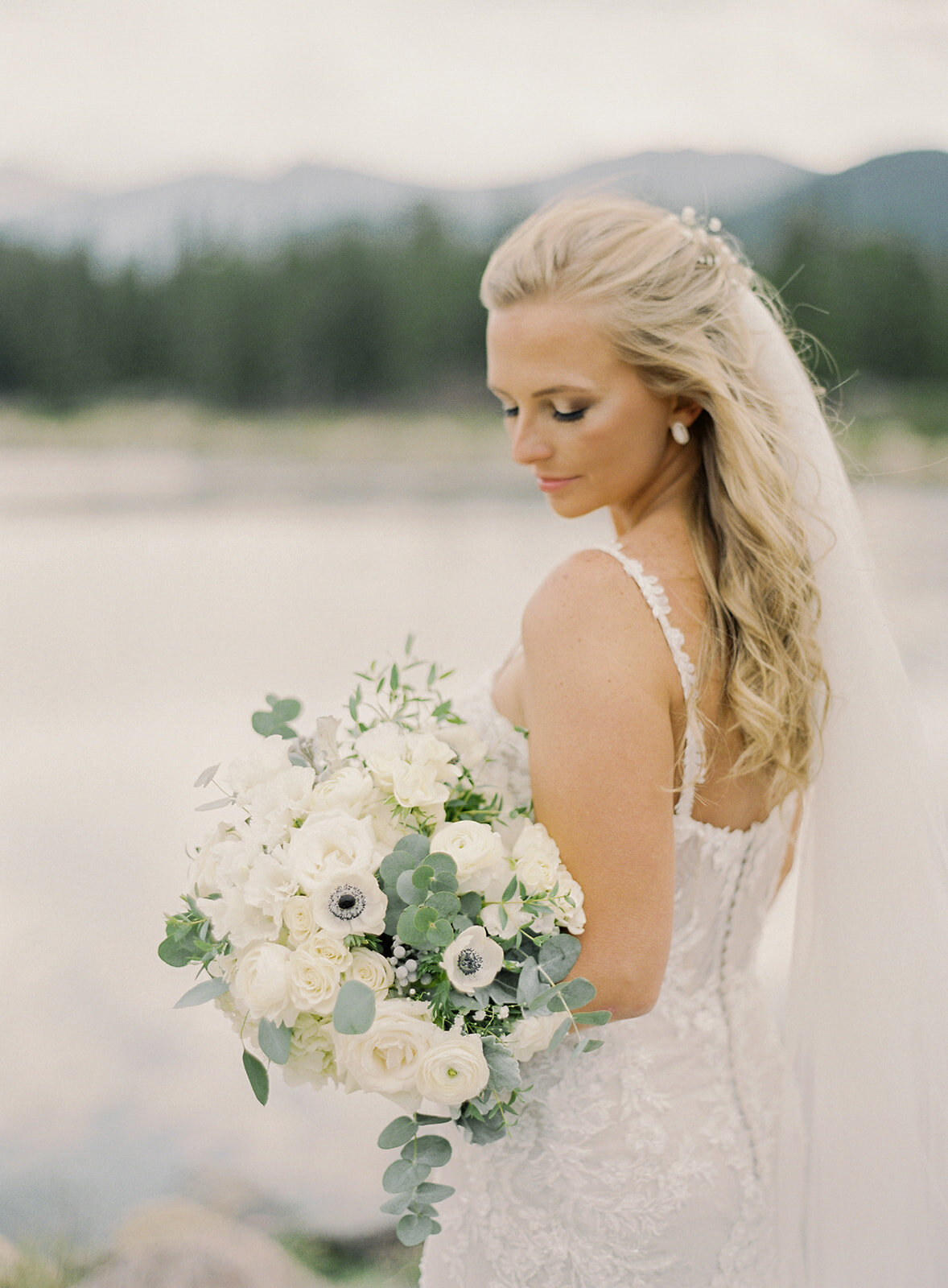 Tear & Tyler. Colorado Wedding by Alp & Isle. First Look-85