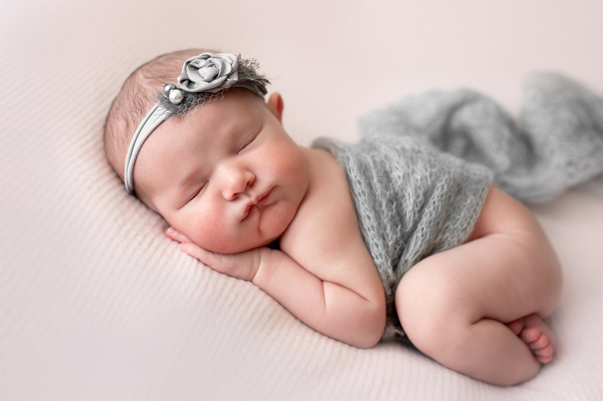 lily-premium-newborn-session-new-jersey-studio-photographer-imagery-by-marianne-59
