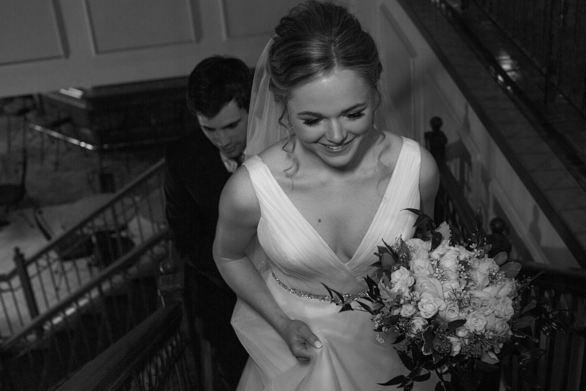 Wedding-Bride-Portrait-photos-Maysville-Country-Club-Kentucky-Janel-Lee-Photography-Colby-Patton