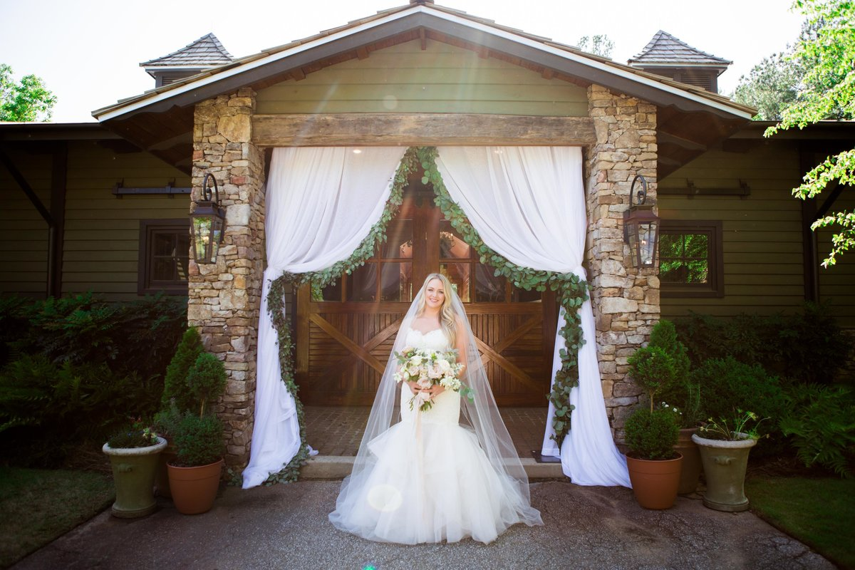 Windwood_Equestrian_Outdoor_Wedding_Venue_Alabama_Farm_Bride045