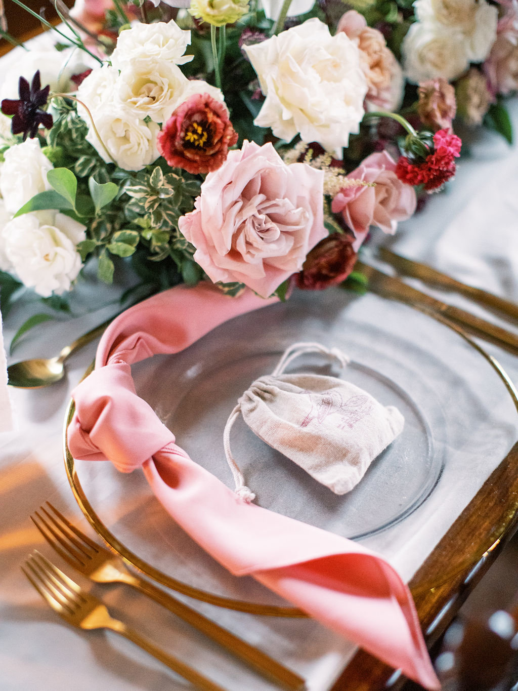 Delaware florist romantic fall wedding table