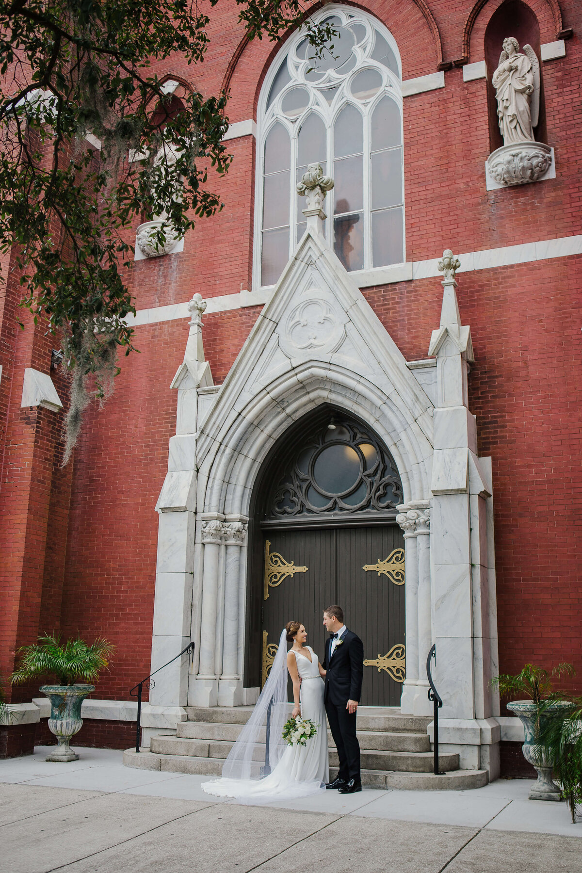 Luxury wedding photographer in Savannah and Coastal Georgia