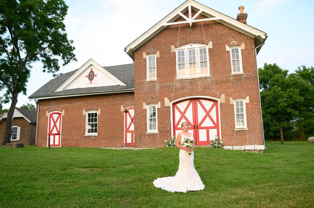 Lynwood Estate - Luxury Richmond Kentucky Wedding Venue - Elegant Estate Wedding 00038