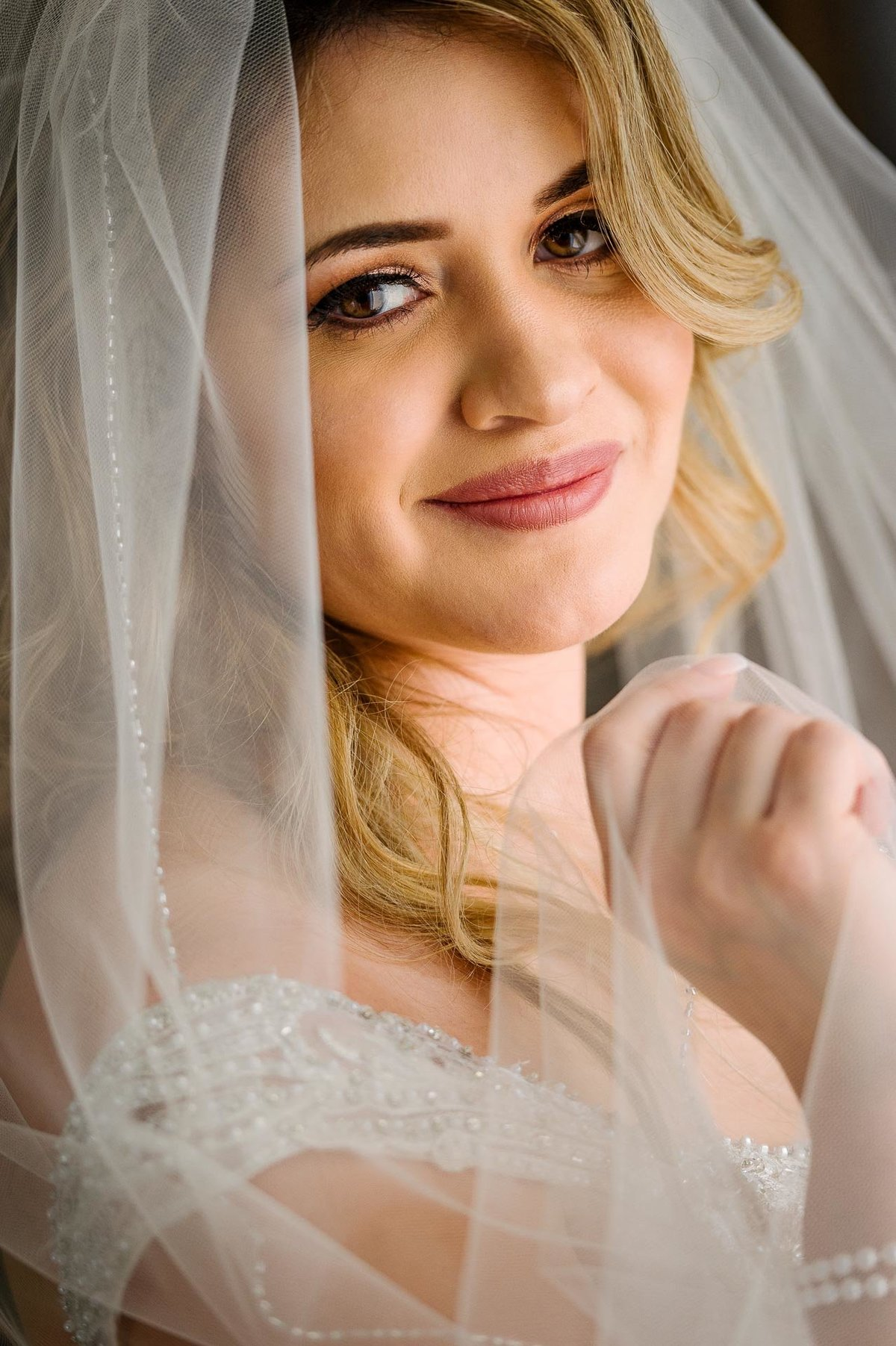 bride's portrait at hotel indigo in el paso by stephane lemaire photography