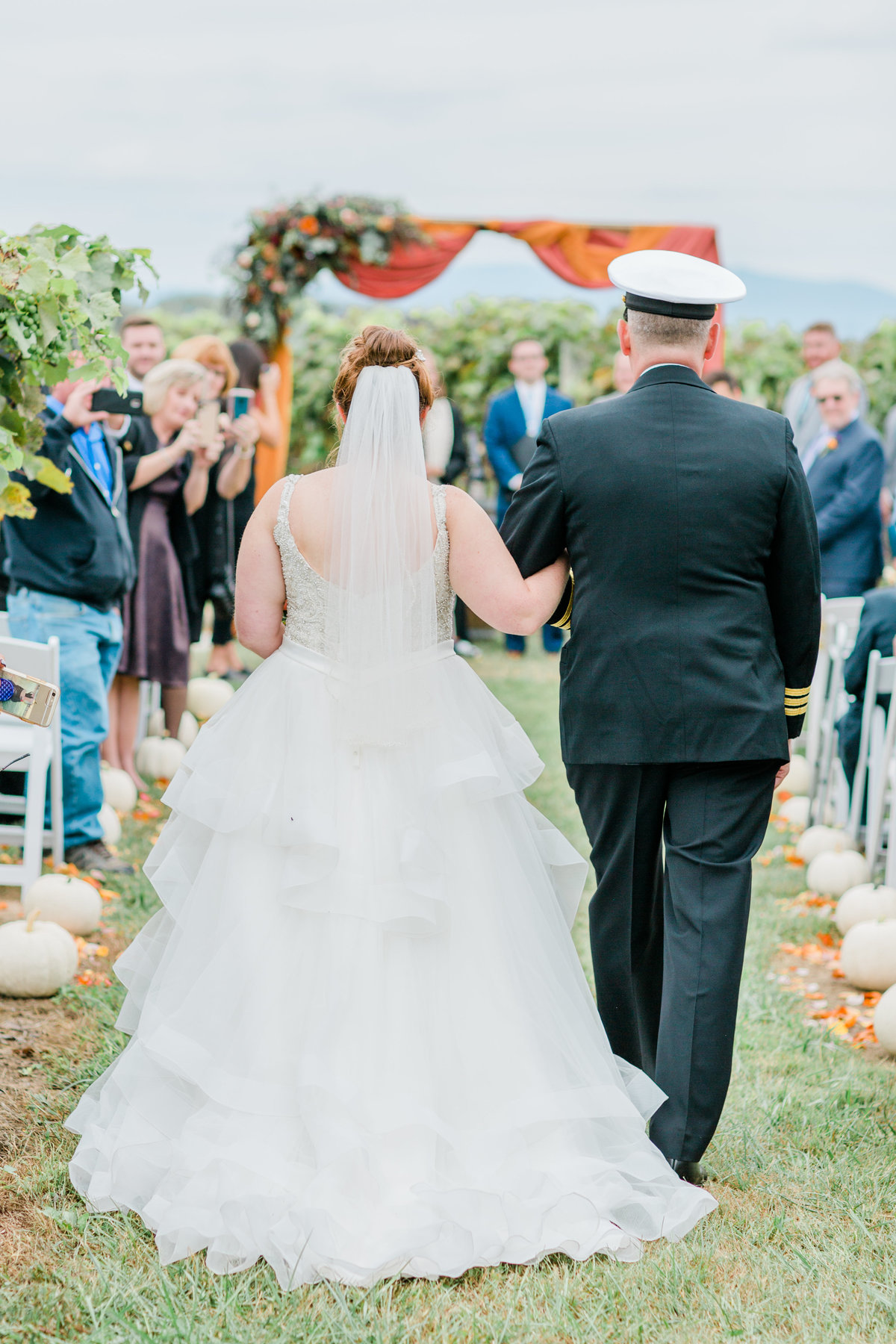 Bluestone_Vineyard_Fall_Wedding_Virginia_DC_Photographer_Angelika_Johns_Photography-6360