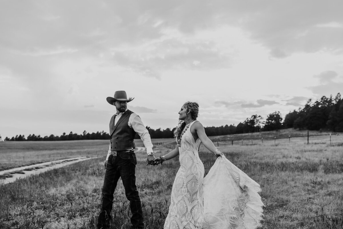 younger-ranch-wedding-Native-Roaming-Photography-71