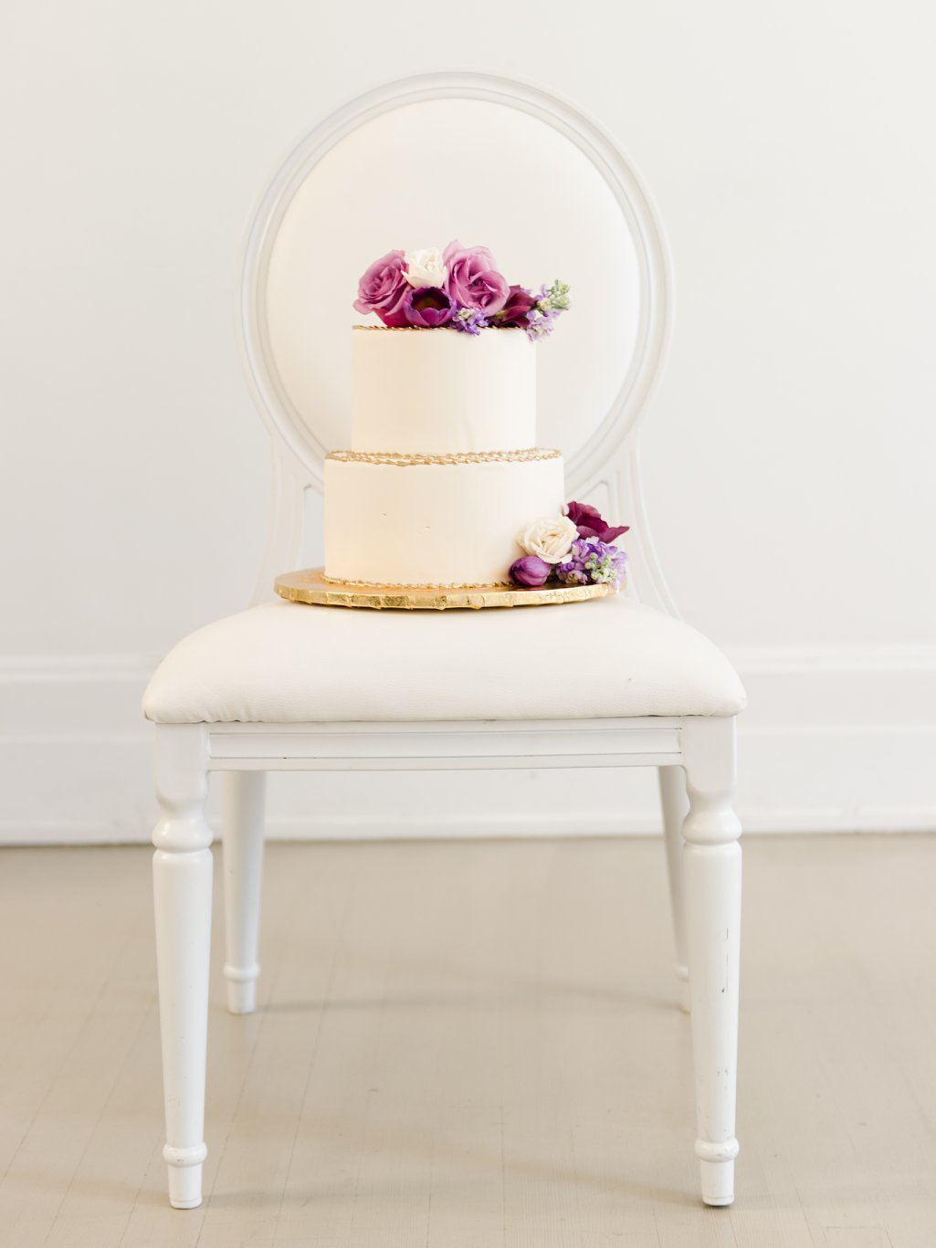 Modern Take on a Classic Wedding Cake