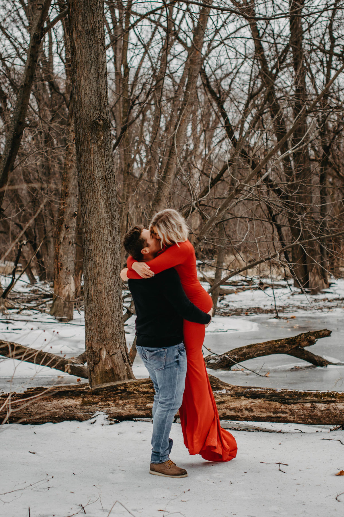 fullersburg-woods-winter-shoot-hinsdale-il-couple-engagement-chicago-91