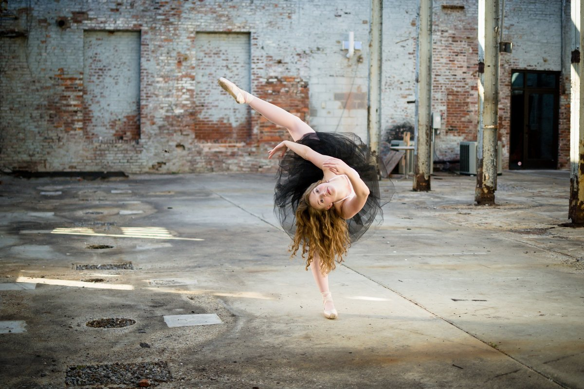 Nashville-senior-photographer-City-Urban-Ballerina-Ballet-Session+1