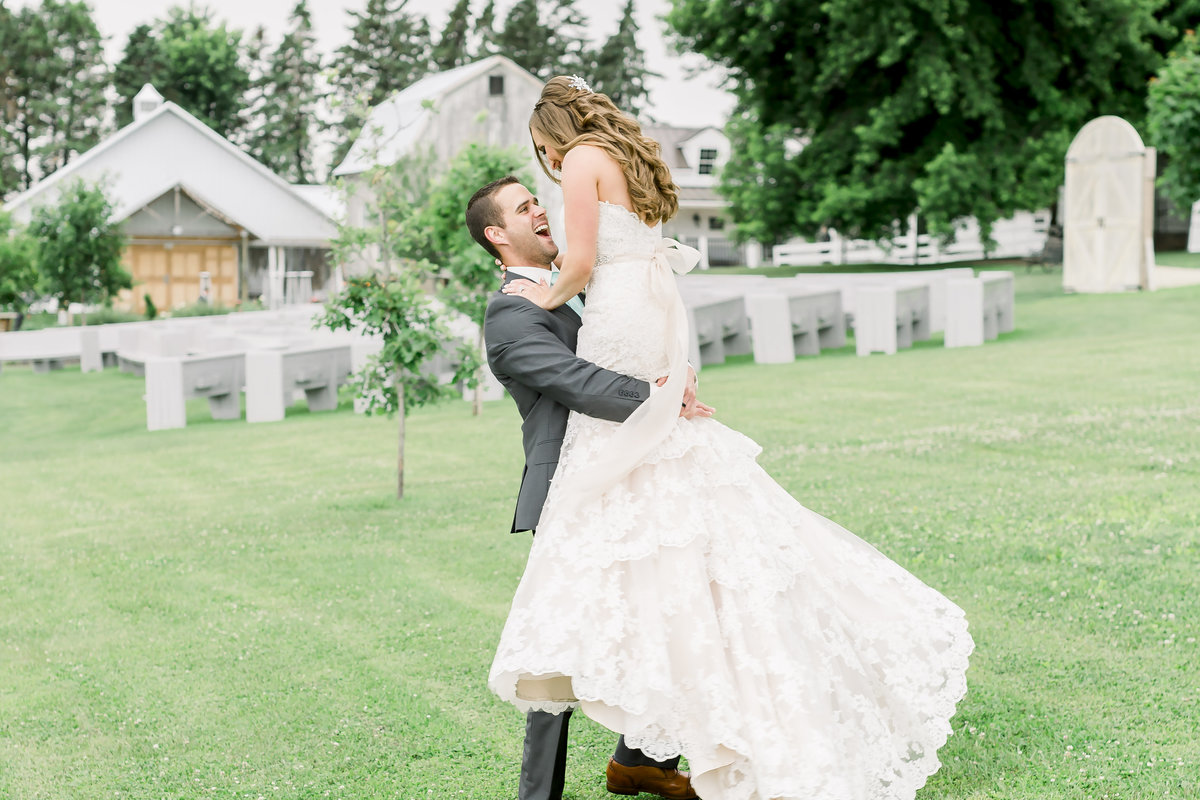 MinneapolisWeddingPhotographer_LegacyHillFarm5