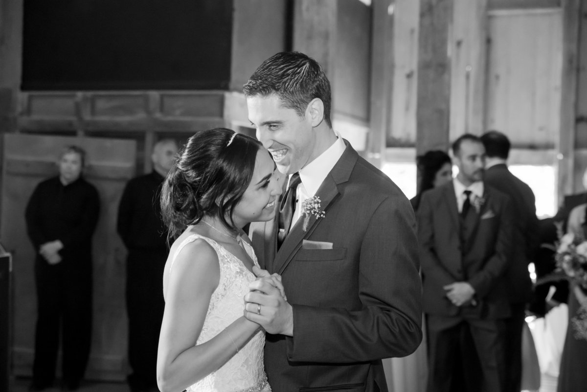Rustic Barn Wedding Pennsylvania-Rodale Institute Wedding Raquel and Daniel Wedding 22473-47