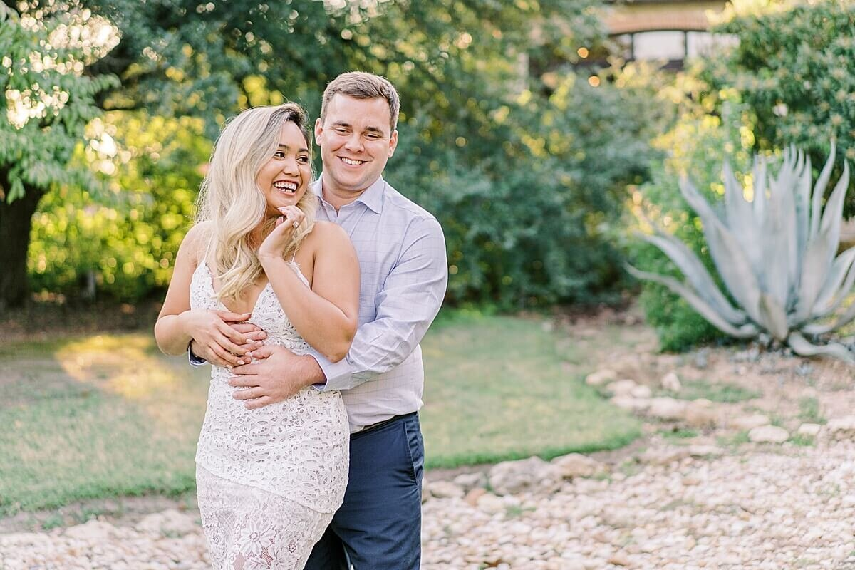 Texas-Hill-Country-Vineyard-Engagement-Portrait-Session-Alicia-Yarrish-Photography_0111
