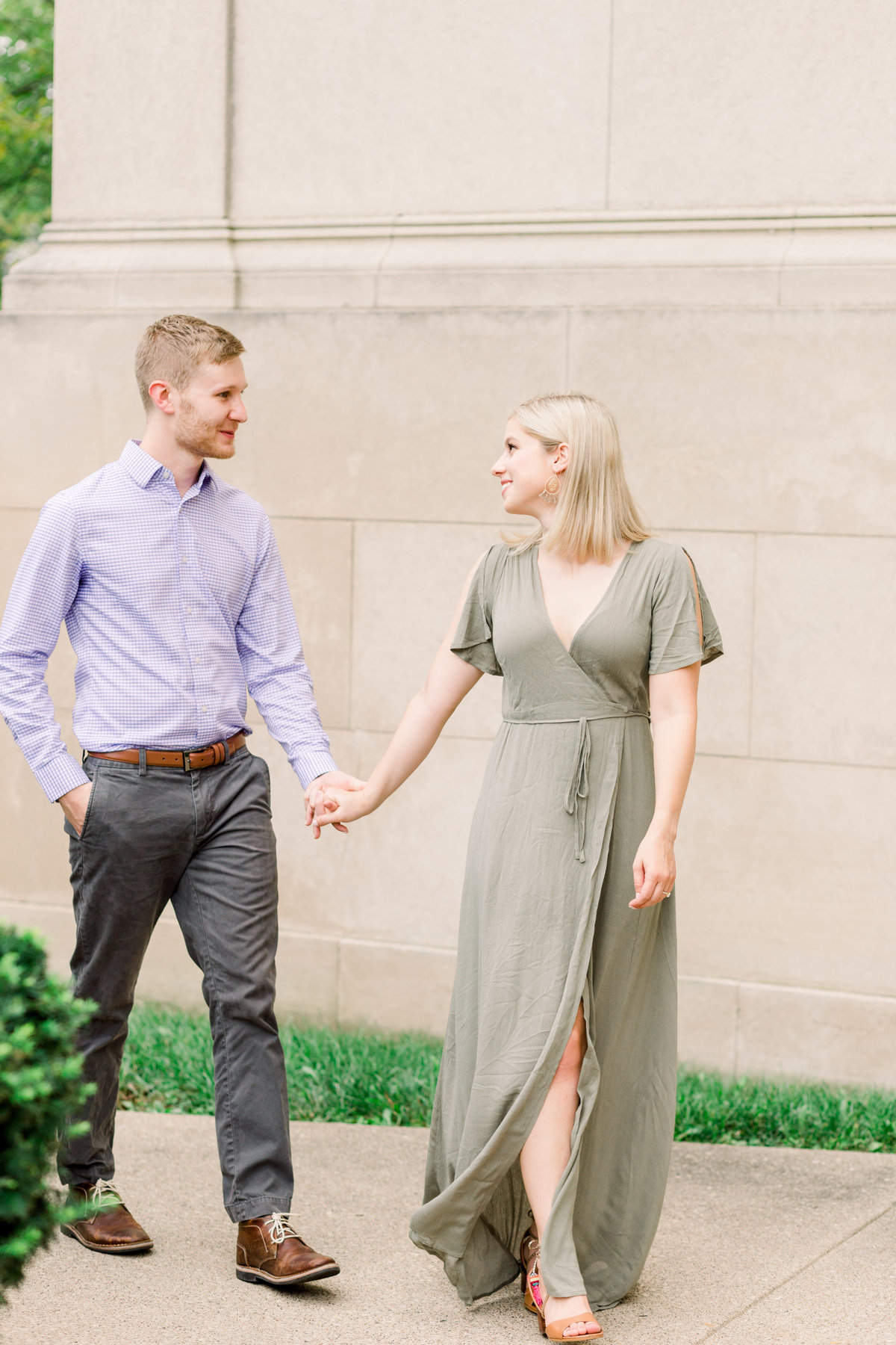 Cincinnati-engagement-wedding-photographer-eden-park-art-museum-smale-riverfront009