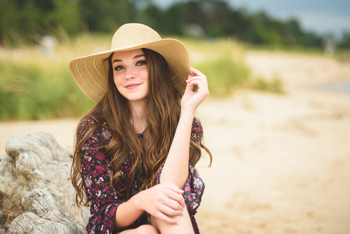 Grand-Haven-MI-Nature-and-Beach-Senior-Portraits-20