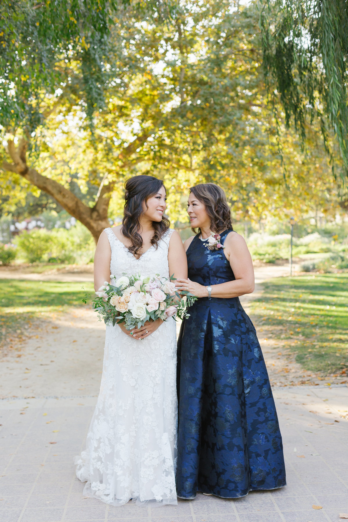 descanso-gardens-fall-wedding-photos-32