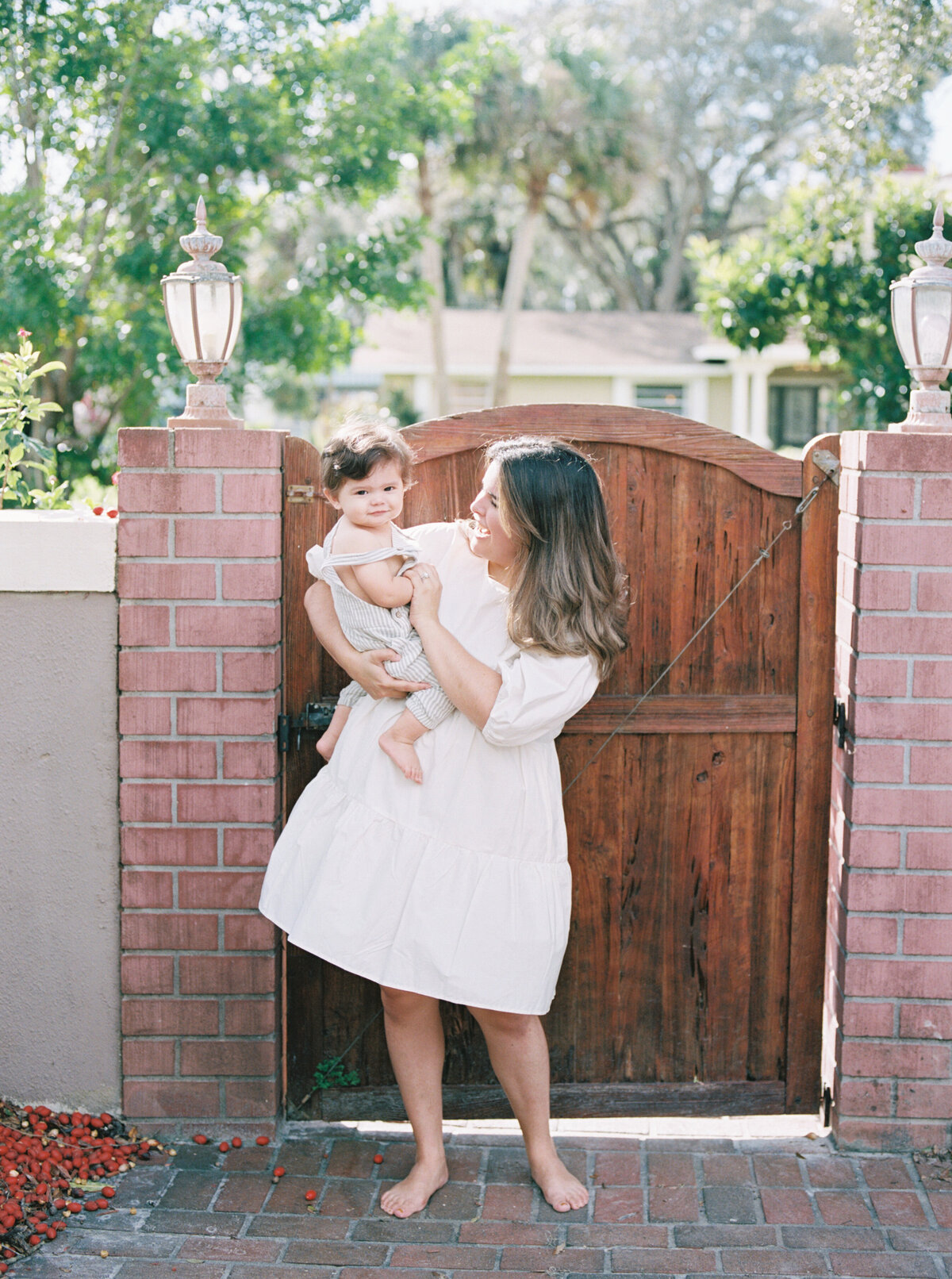 Organic Modern Minimal In Home Motherhood Session Film Photography -7