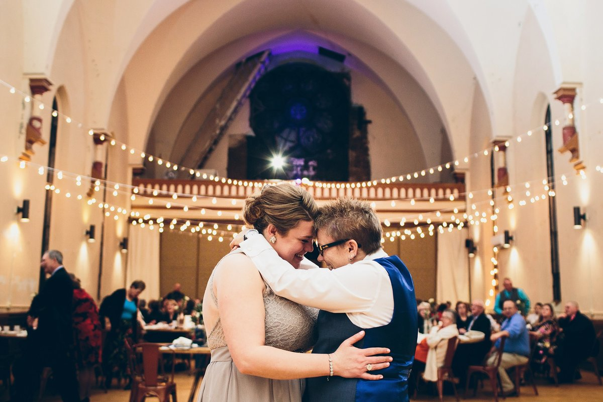 Cassandra Zetta - Cincinnati LGBTQ+ Wedding Photographer_0004
