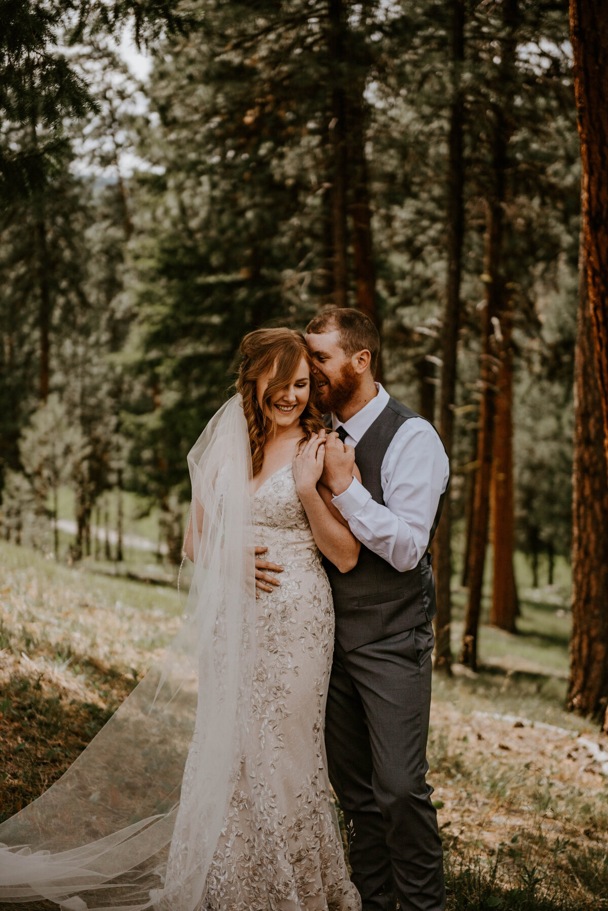 ochoco-forest-central-oregon-elopement-pnw-woods-wedding-covid-bend-photographer-inspiration1219