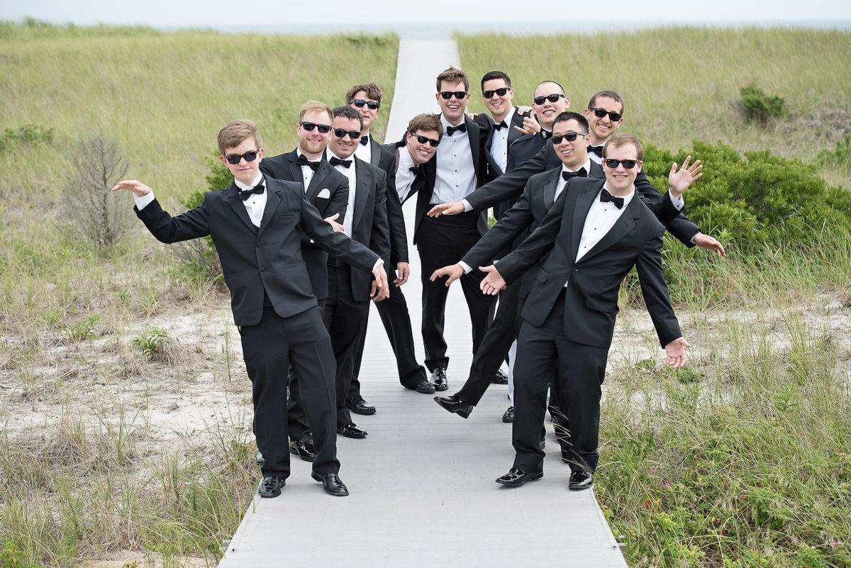 fun groomsmen photo at Oceanbleu