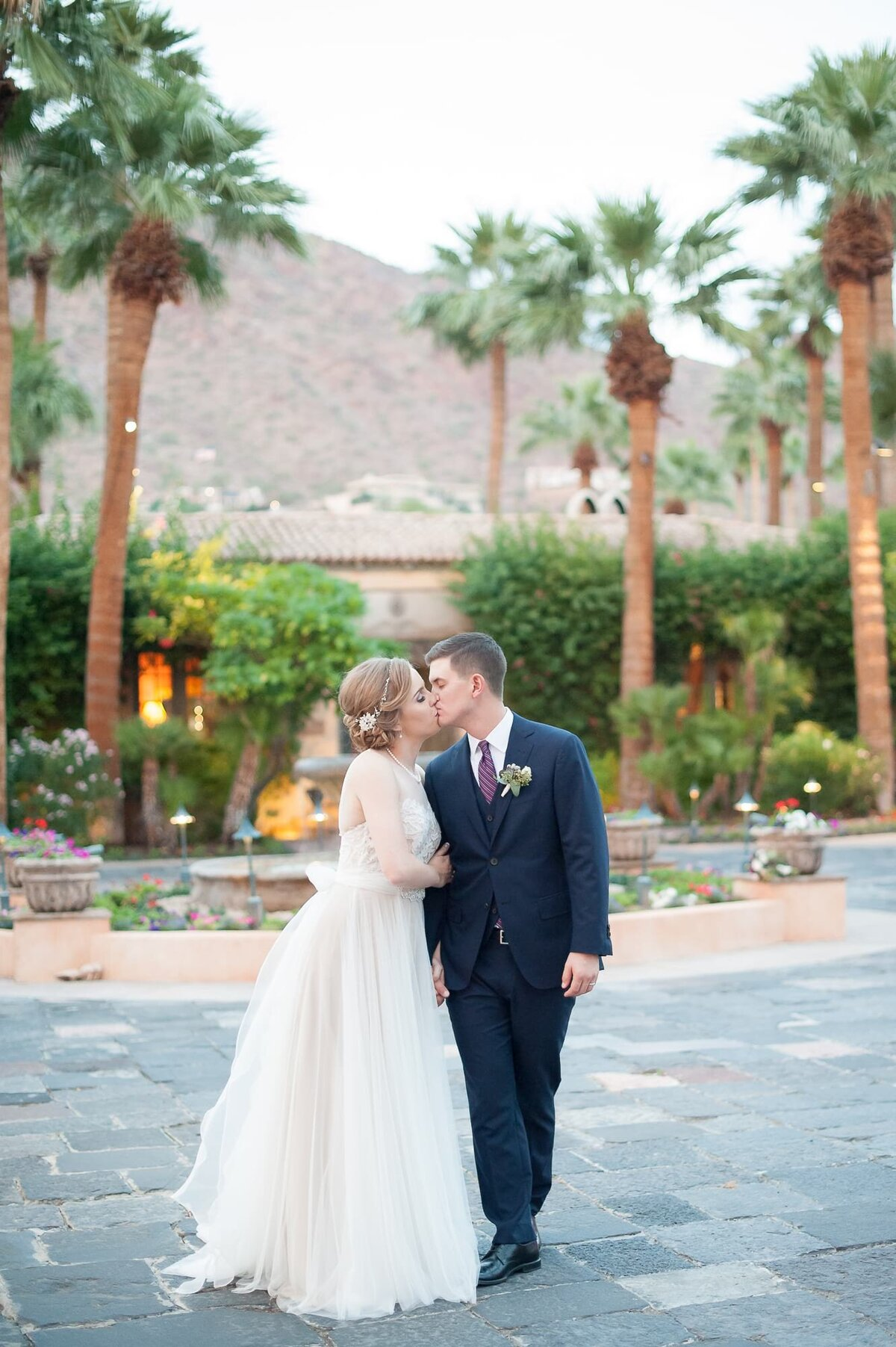 Royal-Palms-Wedding-by-Leslie-Ann-Photography-00077