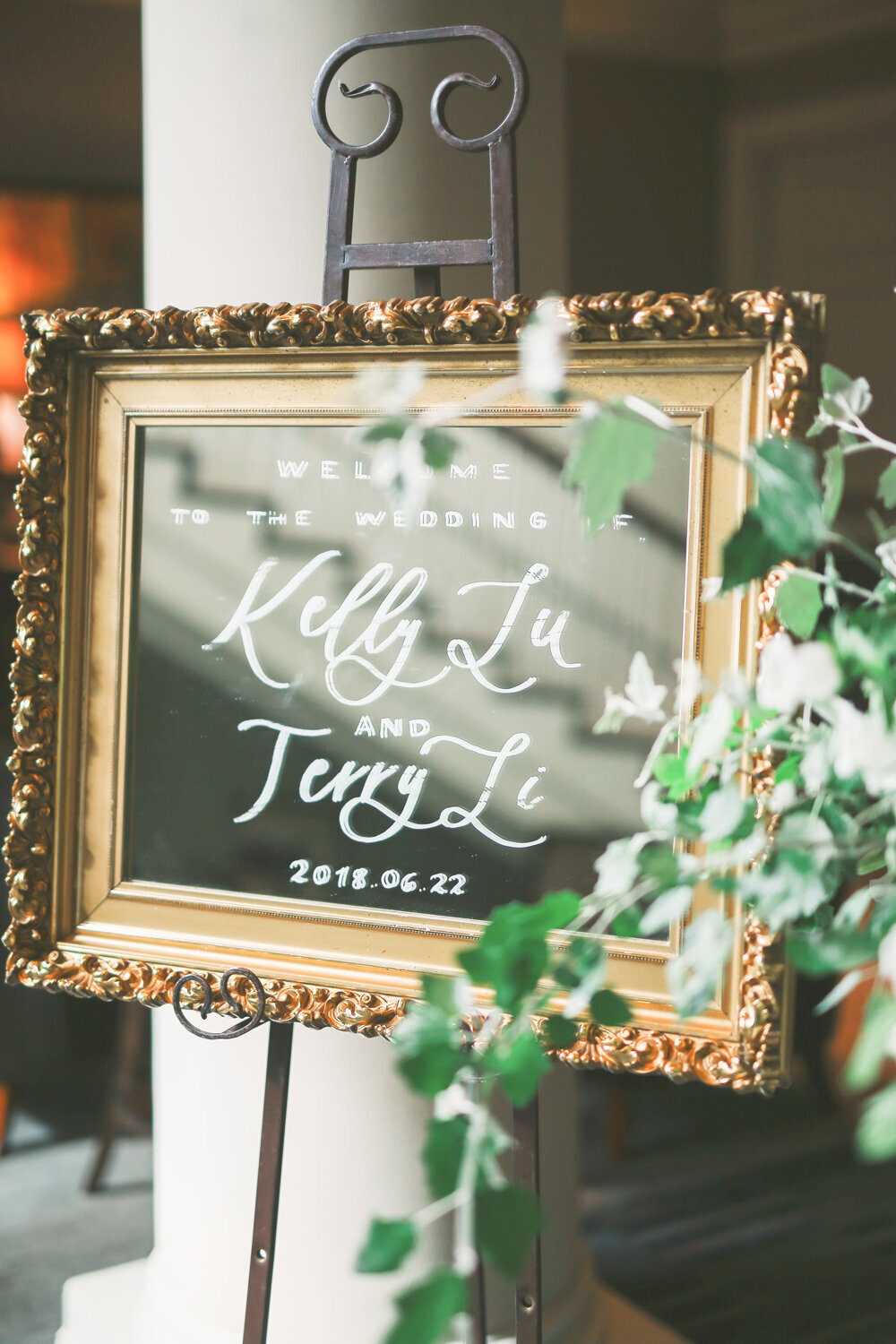 Kirkland-washington-wedding-planner-leigh-and-mitchell-waterfront-wedding-welcome-signage